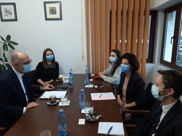 🇭🇺 🇷🇴 ↓   Kelemen Hunor: Ma reggel Franciaország bukaresti nagykövetét, Laurence Auert fogadtam az irodámban. A nagykövet asszonnyal egyetértettünk abban, hogy Románián