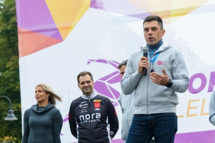 🇭🇺/🇷🇴  Novák Eduárd: egy igazán sportos nap volt tegnap Sepsiszentgyörgyön: energiával tele, lelkes résztvevőkkel, kicsikkel és nagyokkal, mozgással, vidámsággal.  A s