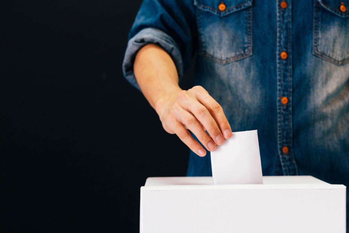 Megszavazta a szenátus: a parlament dönt a parlamenti választások dátumáról