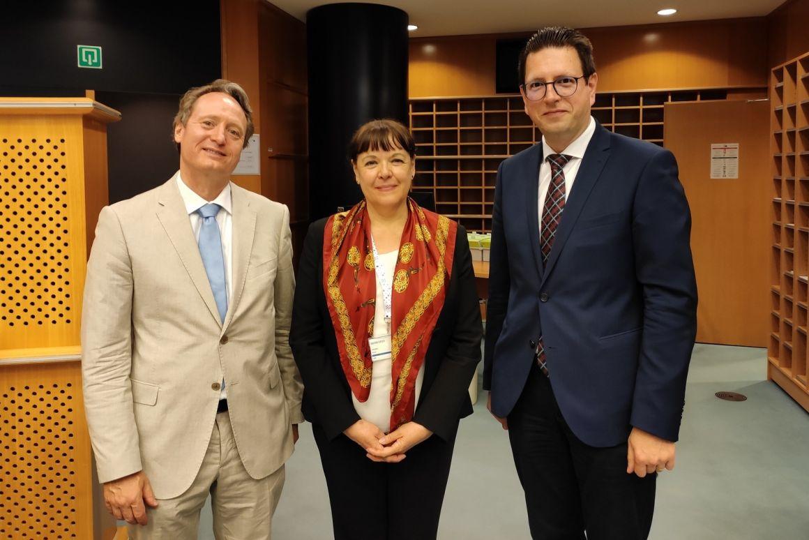 Megegyezett Brüsszelben az Európai Parlament, a Bizottság és a Tanács a polgári kezdeményezések határidejének meghosszabbításáról