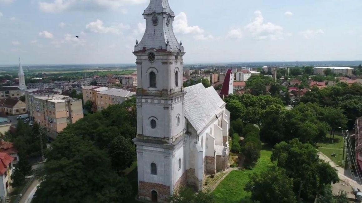 Cseke Attila nyilatkozata a tasnádi református templom és a nagyváradi Ady Endre Elméleti Líceum felújításáról