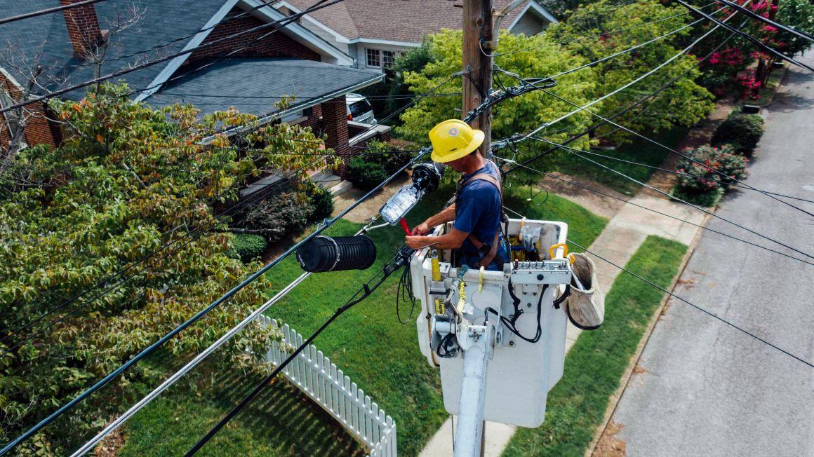 A szolgáltatóknak kell fizetniük a villamos energia és a földgáz bekötési díját