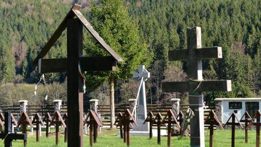 Az amerikai külügy kiemelten foglalkozik az úzvölgyi temetőgyalázással éves jelentésében
