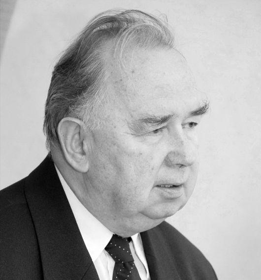 Vekov Károlytól búcsúzik az RMDSZ