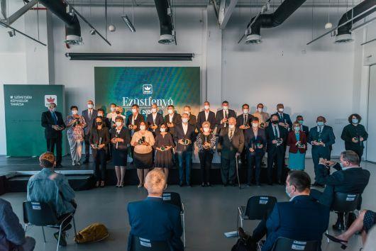 28 személynek adtunk át Ezüstfenyő-díjat Kolozsváron