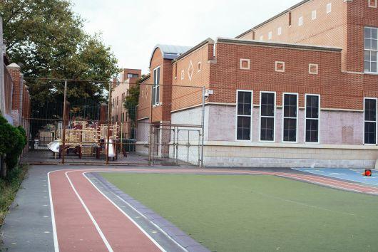 Szabadon használhatják a gyerekek az iskolák kültéri sportlétesítményeit