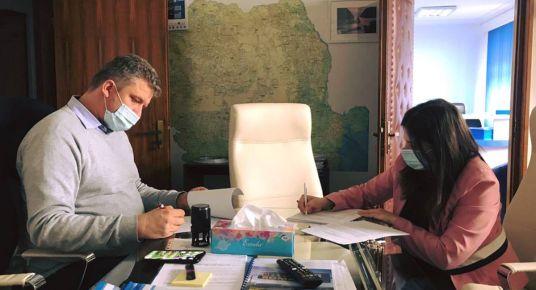 Bukarestben írta alá ma délután Soós Zoltán a marosvásárhelyi terelőút első két szakaszának a finanszírozását.