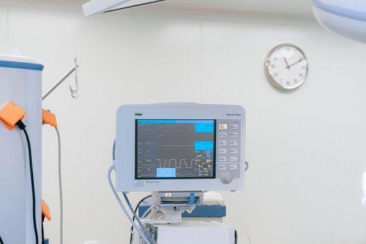 Egészségügyi felszerelések beszerzését támogatja a Szatmár megyei Tanács