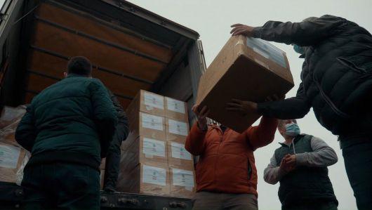 Újabb 1,2 millió egészségügyi maszk érkezett Erdélybe!