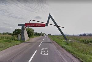 RMDSZ: megteszünk mindent, hogy a tábla továbbra is ott álljon Brassó megye határában, mivel ott van a helye!