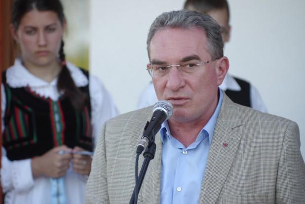 Winkler Gyula: elismerést közösségi szimbólumainknak!