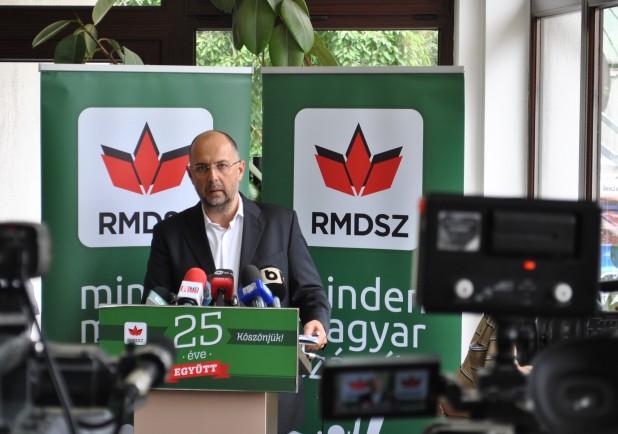 Kompromisszumos megoldás: az RMDSZ a kormánykoalíció tagja marad, Kelemen Hunor lemond miniszterelnök-helyettesi és miniszteri tisztségéről (AUDIÓ)