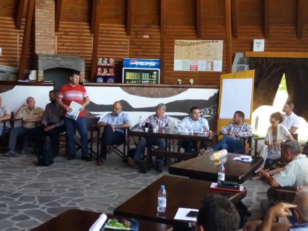 """Egy """"közös minimum"""" mentén dolgoznának együtt –A helyi értéktárbizottságok megalakításáról  tanácskoztak a Hargita megyei polgármesterek"""