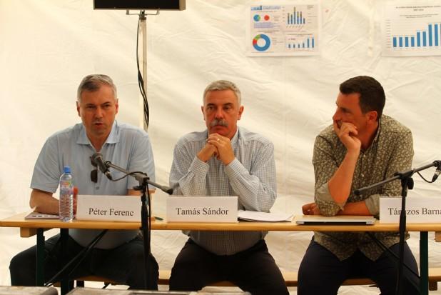 Medvekérdés és városi legendák – a településekre bejáró nagyvadak problémájáról vitáztak Tusványoson