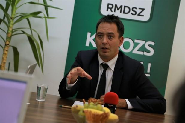Csoma Botond: az érdemi vitára sem adtak lehetőséget a román pártok