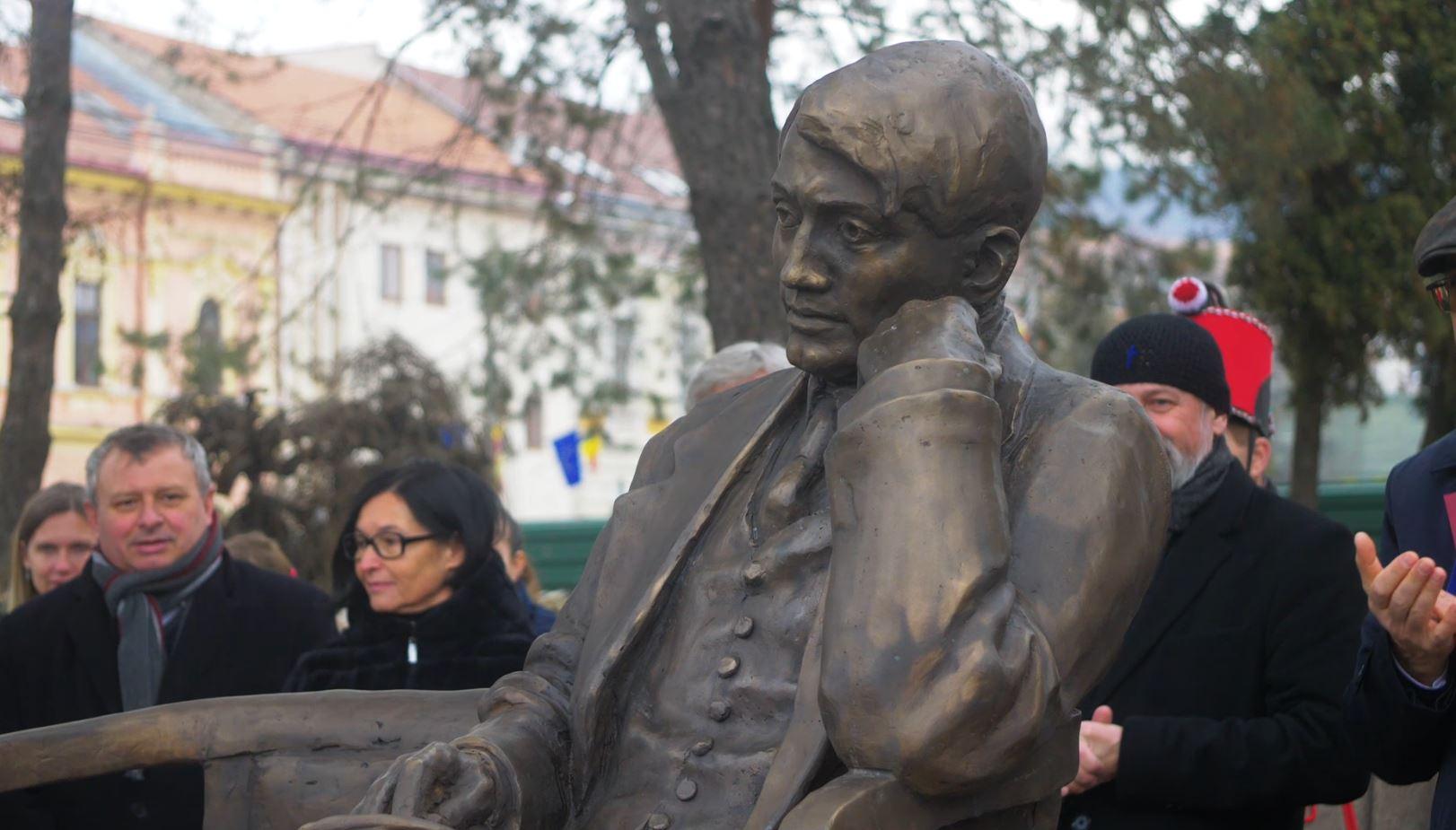 Ady Endre szobrot avattunk Zilahon